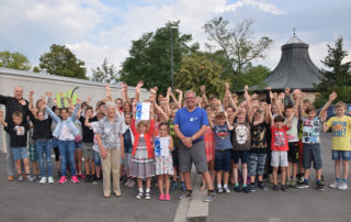 Die Grund- und Mittelschüler der Paul-Gerhardt-Schule Kahl können sich über zwei erste Plätze bei den LBV-Sammelwochen freuen.