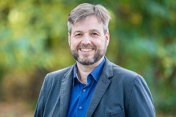 Herr Matthias Umbach