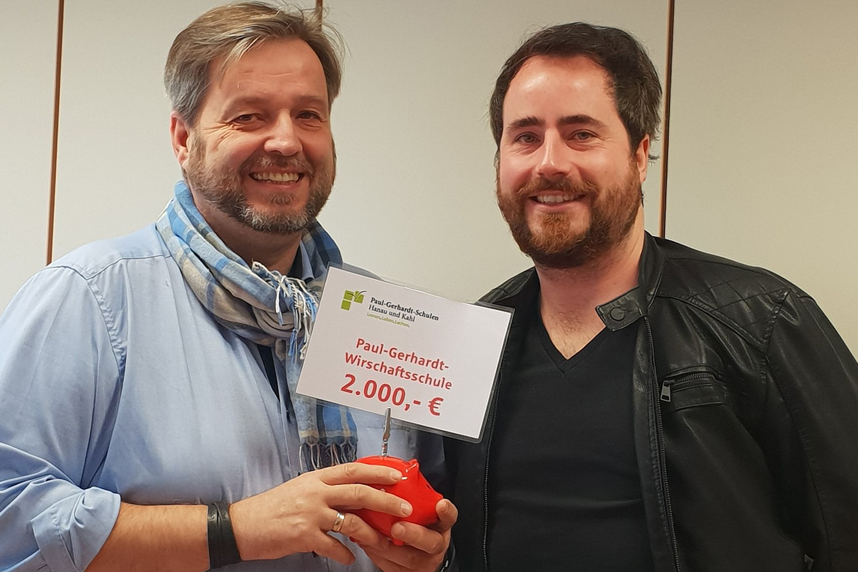 2.000 € Spende für die Wirtschaftsschule